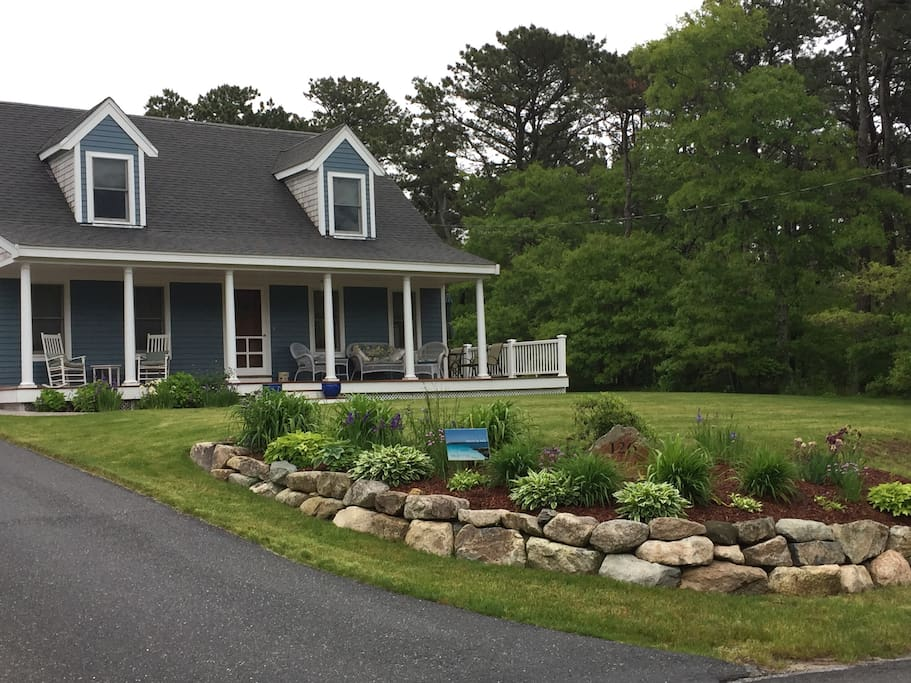 Welcome to your Cape Cod getaway! One-Bedroom, Sitting Room, South Dennis, Mass.