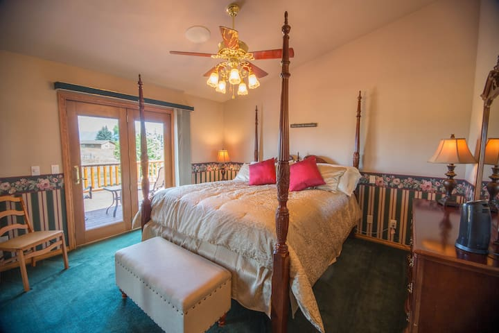 Pine Mountain Lodge Master Bedroom - Kalispell - Casa