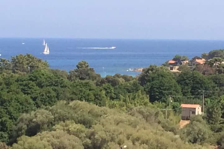 Appartement au calme avec merveilleuse vue sur mer