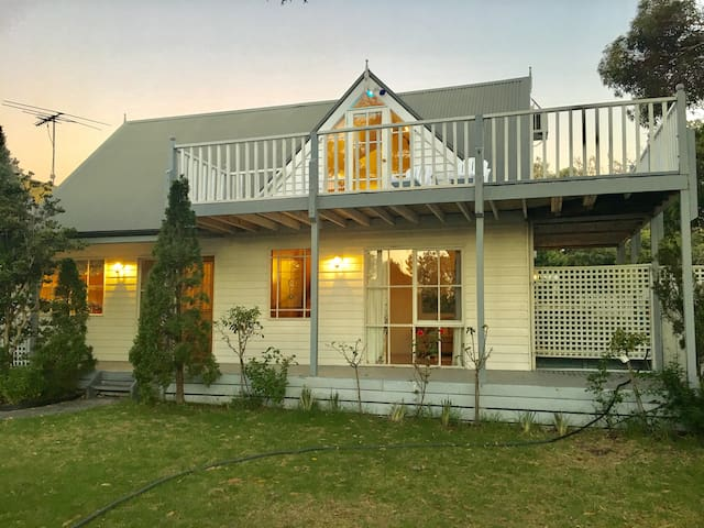Double-storey house Mt Martha, spa, opposite beach