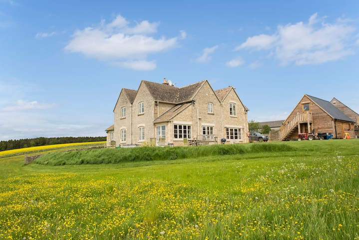 5 Bedroom House in the heart of the Cotswolds - Aldsworth - Dům