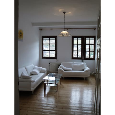 80 sqm apartment in the center - 4th floor