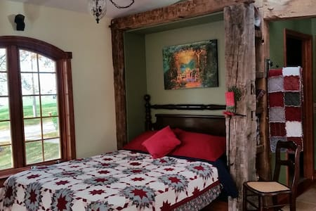 Milly's Inn - Murphy's Den (Queen Bed) - Wilson - Bed & Breakfast