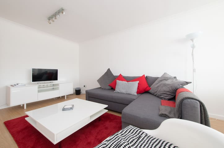 Spacious Modern Flat with Amenities - Londyn - Apartament