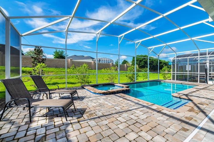 1698CG - NEW BETHEL Orlando Villa - Sleeps 12, 6bdr/ 6bath With Pvt Pool/ Jacuzzi, Game Room and close to Disney - Resort Amenities included