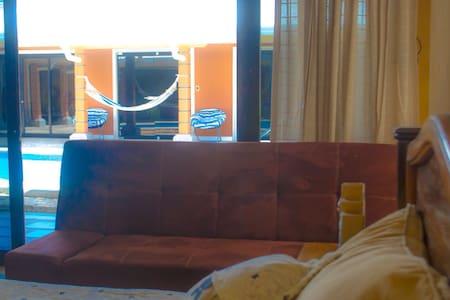 ASIEL HOME. Cerca del Aeropuerto Int. Liberia