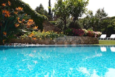 CamelieSuites - SUITE con piscina ad uso esclusivo