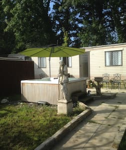 Moo Motel - Stay on a working farm with Hot Tub! - Somerset - Muu