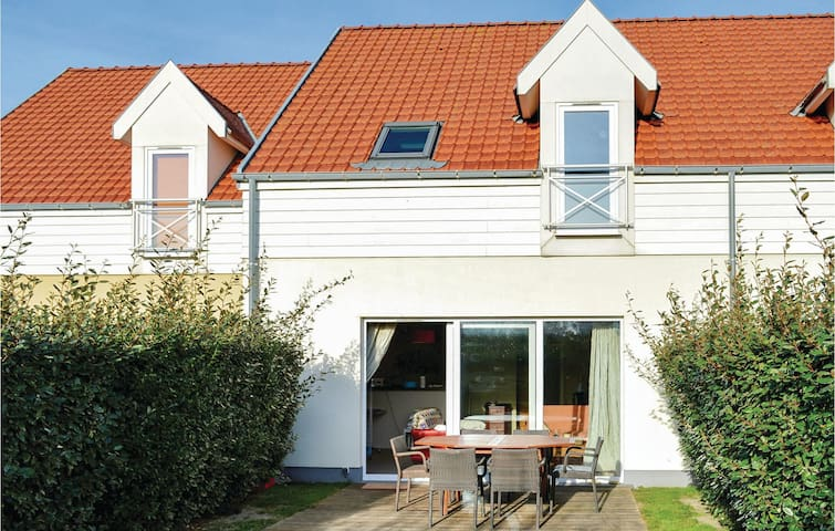 Terraced house with 2 bedrooms on 75m² in Wimereux