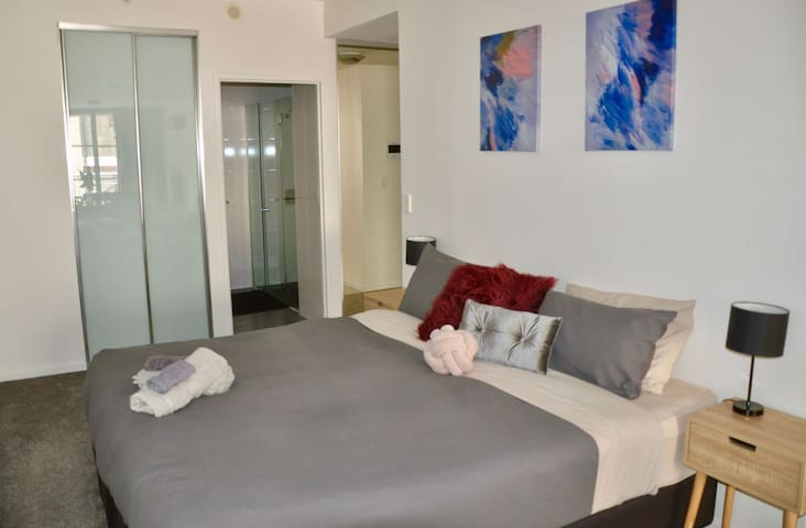 Studio Apartment in Sydney CBD