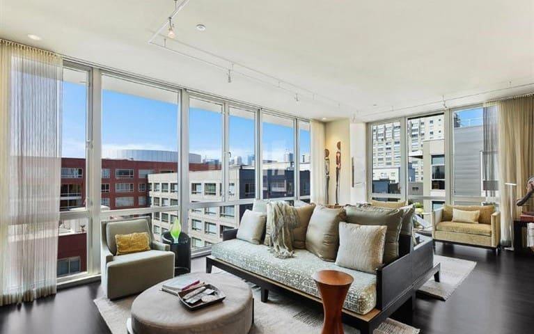 CHIC MISSION BAY PENTHOUSE w/ DECK!