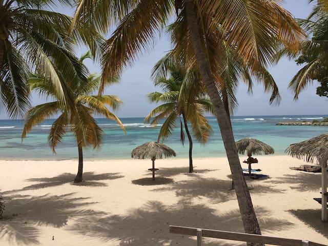 """St François charmant appart""""dézîles"""" plages  5mn"""