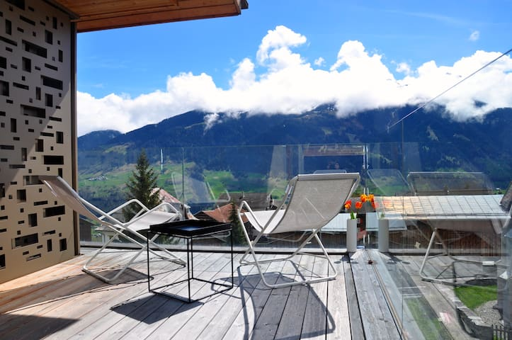 Panoramic ecodesign house near mountain lake (8p) - Vignogn - Apartament