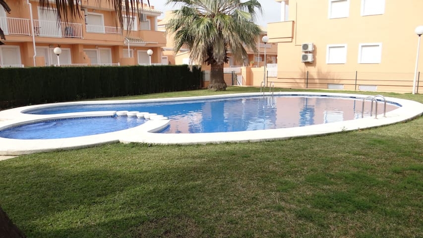 Perfect town house with a pool near the sea