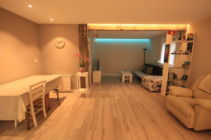 LOVELY  NEW APARTMENT CLOSE TO BEACH/FREE PARKING - Donostia - Daire