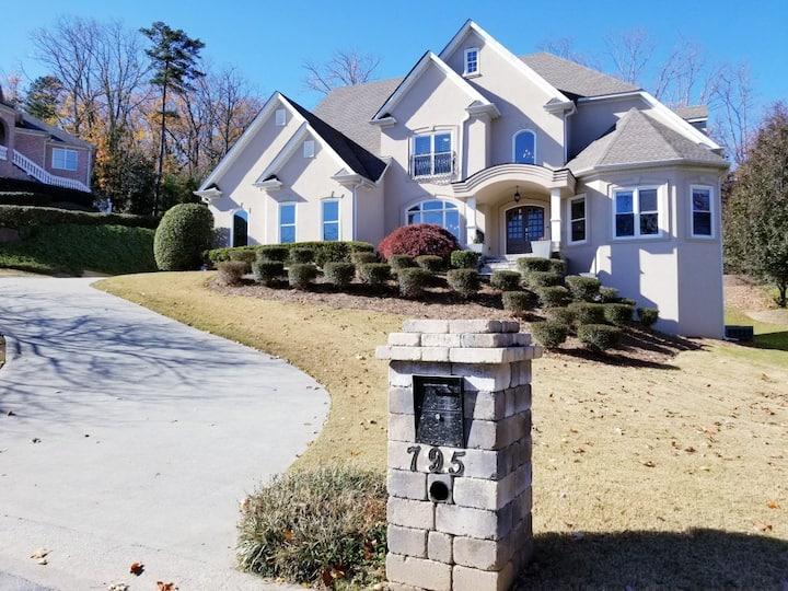 Stunning East Cobb Entire House/ Near SuntrustPark