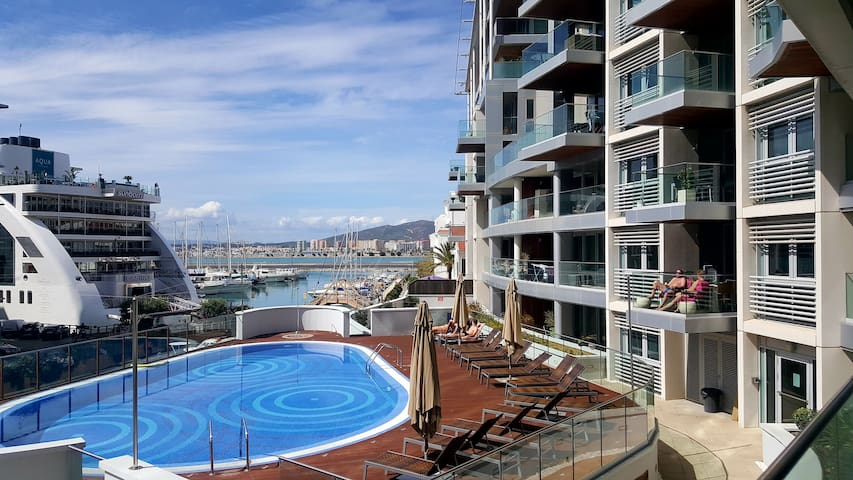 Luxury 1 bedroom apartment in front line marina - Gibraltar - Apartment