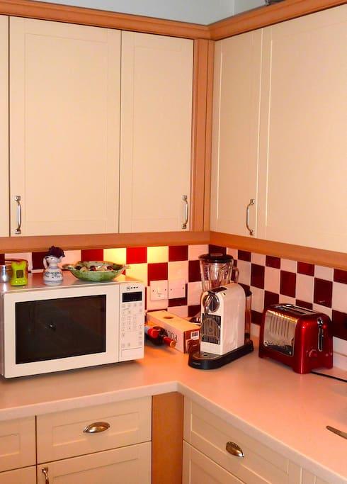 Kitchen with coffee machine!
