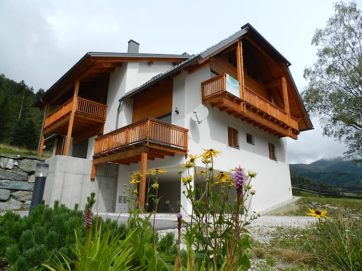 Stefan- large Family Apartment near slopes for 4/5