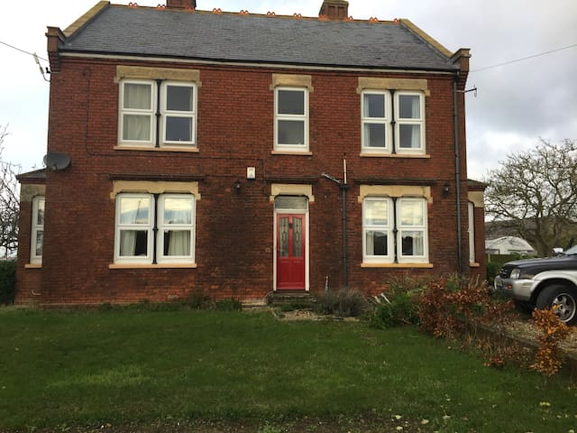 Farmhouse with large gardens and plenty of parking