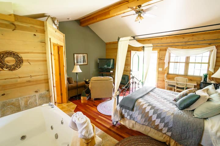 Prairie Smoke Guest House - Hay Creek Cabins