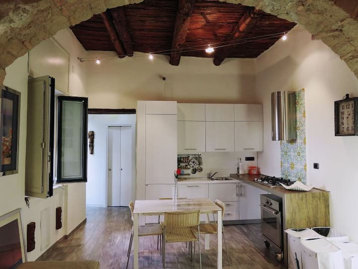 Smartcityhost-Luxury apt. in the hearth of Salerno