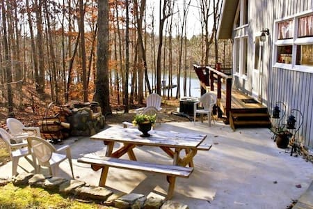 Waterfront Cozy Cabin with Dock