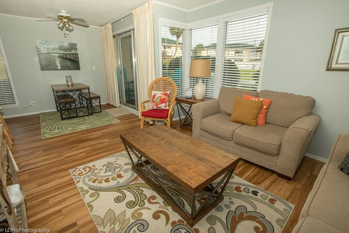 SPC 1034 is a Pet Friendly 1 BR with Free Beach Service for 2!