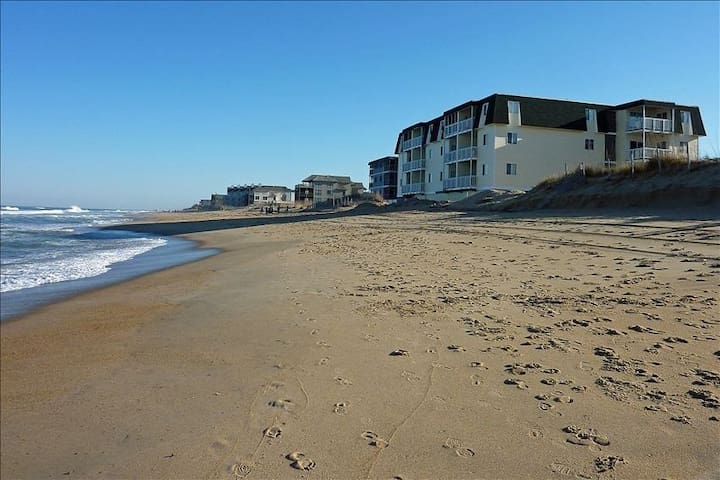 OBX Oceanfront Condo-The Sands
