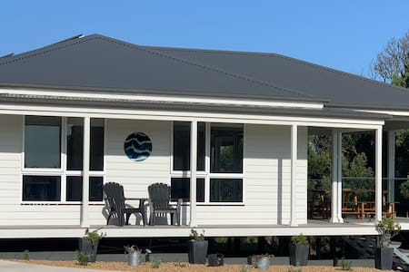 Tranquility on Milford - New 3 bedroom beach house