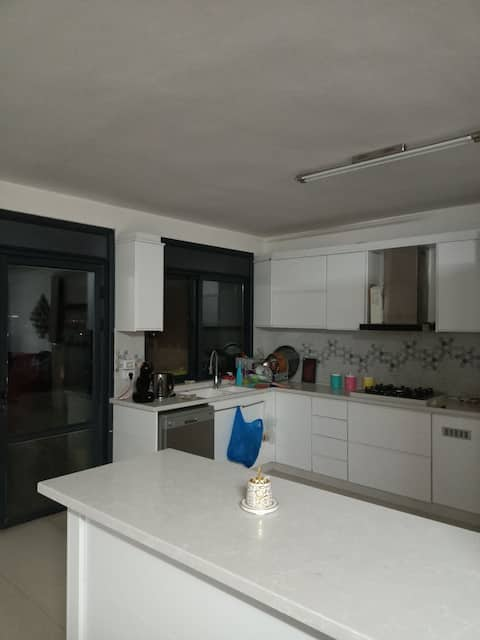 lovely 2 bed room with nice view and free barking