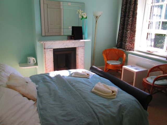 Double Ensuite - Freshwater - Bed & Breakfast
