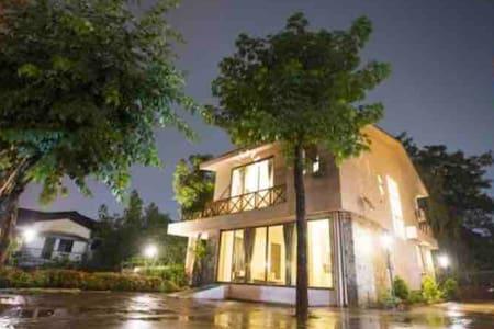 Lonavala Massive Villa - The Majestic Villa -2BHK