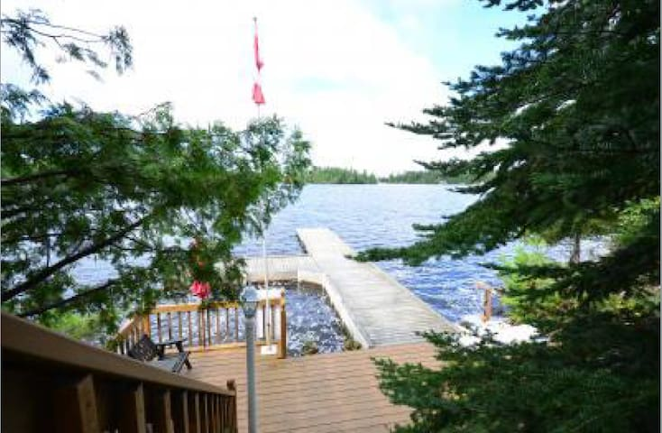 Beautiful Lake of the Woods Getaway - Kenora, Unorganized - Cabin