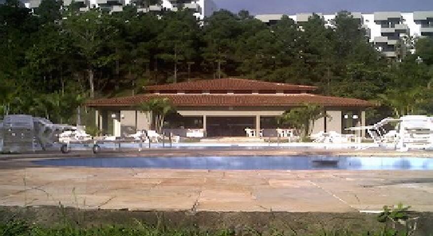 Praia da Enseada Guarujá Condomínio Fechado