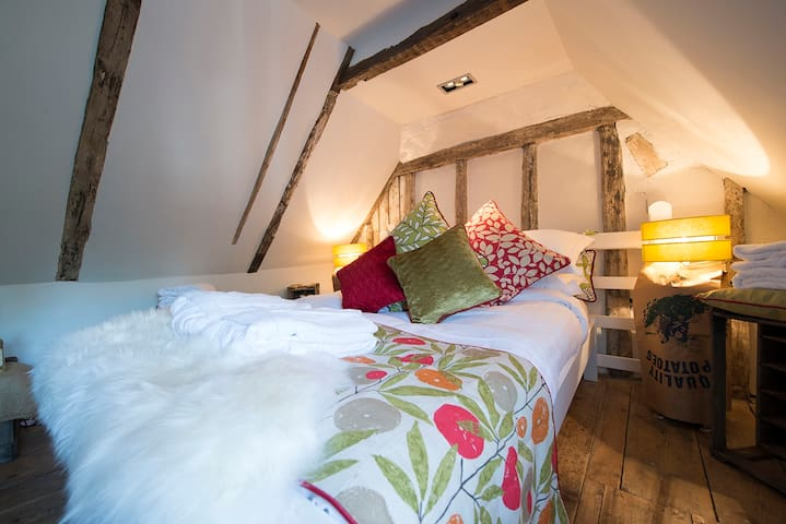 Deluxe Noddy Suite at The Woolpack Inn
