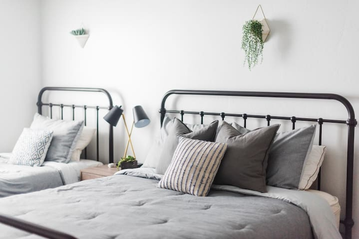Cozy Queen & Twin beds near BYU & Sundance!!