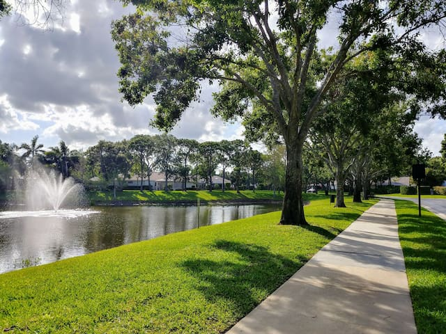 Townhouses in Palm Beach Gardens
