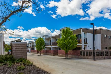 Modern apartment all to yourself - Narrabundah