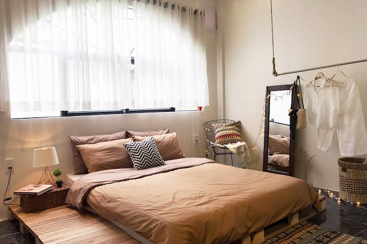 Hygge home★Serene 2BRs @CENTER★5m to BenThanh mkt