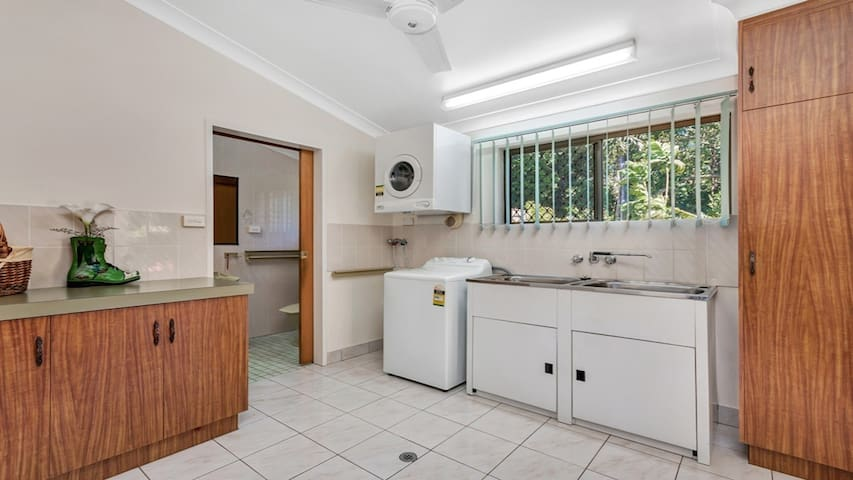 Green Retreat - Bayview Heights - House