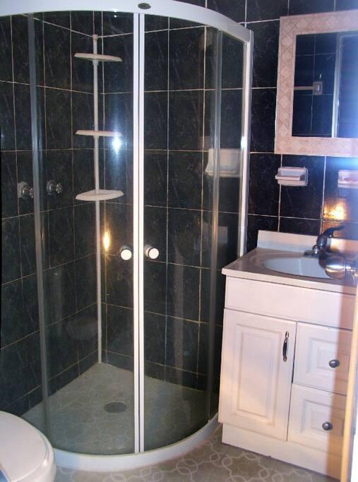 Violeta - Bathroom