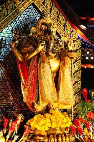 Ganesha Shrine  🙏拜拜大象神