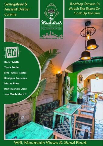 Blackchich Cafe & Restaurant