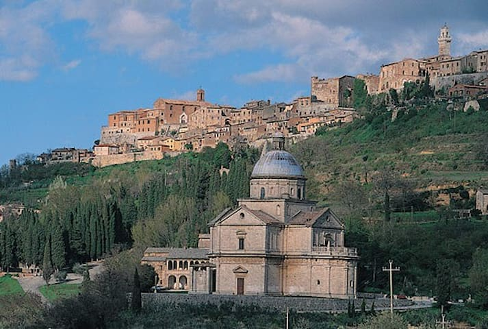 Guidebook for Montepulciano