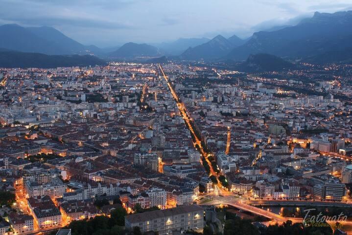 Guide du parfait touriste à Grenoble.