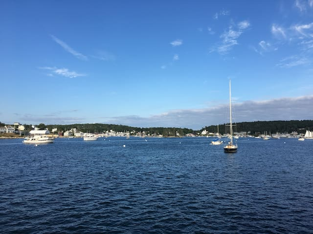Steve & Marie's Guide to Boothbay Harbor