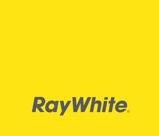 Ray White Straddie's Guidebook