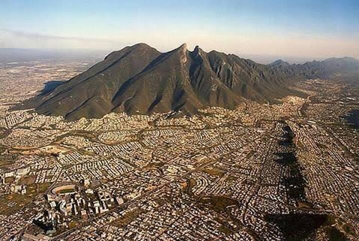 La guía de Lila Cortés/ Monterrey, una ciudad en Movimiento
