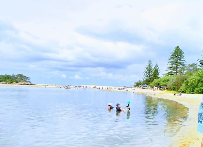 Sunshine Coast Haven's guidebook